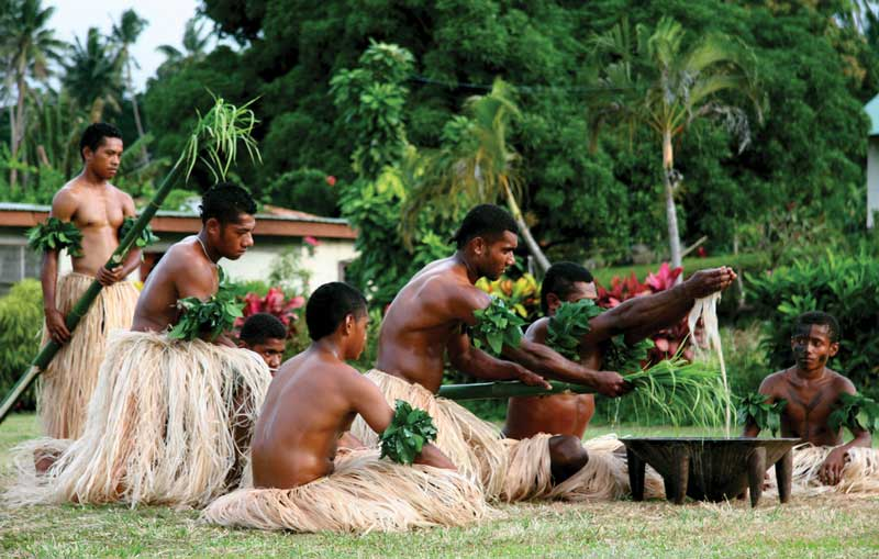 Ceremonies, dances, songs and oral tradition protected their culture. It was only in the middle of the 19th century that Fijian had an alphabet with Latin characters in its written representation.