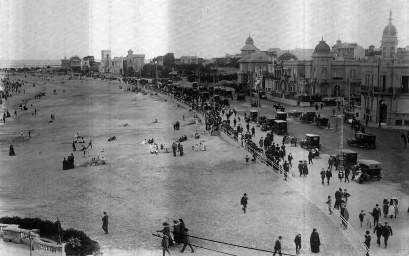 Amura,Historical pictures of the city of Montevideo.