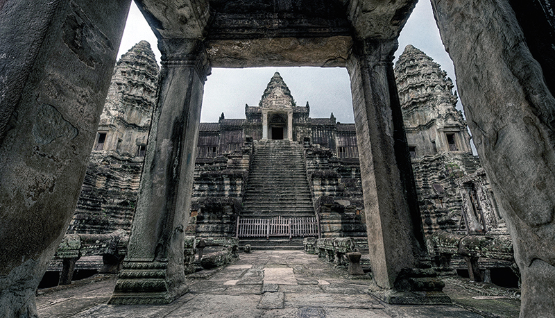 Amura, Camboya, Cambodia, The ruins of some temples in Laos share their history with the ancient Cambodian Angkorian culture.