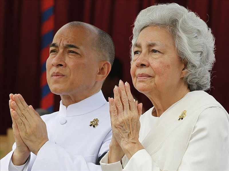 Amura, Camboya, Cambodia, Norodom Sihamoni is the current king of Cambodia, crowned in 2004.