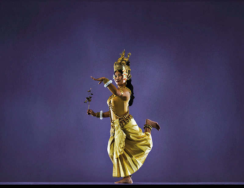 Amura, Camboya, Cambodia, Dance of the Apsara is a classical Khmer dance created by the Royal Ballet of Cambodia.