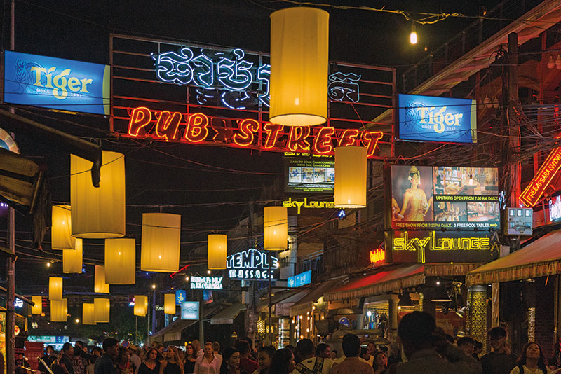 Amura, Camboya, Cambodia, Pub Street is the nightlife hub in Cambodia.