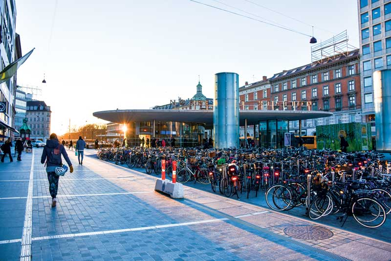 Amura,Dinamarca,Vikingos,Rey Harald,piedras rúnicas de Jelling,daneses,felicidad, Cycling is the preferred form of transport for the inhabitants of Denmark. <br />