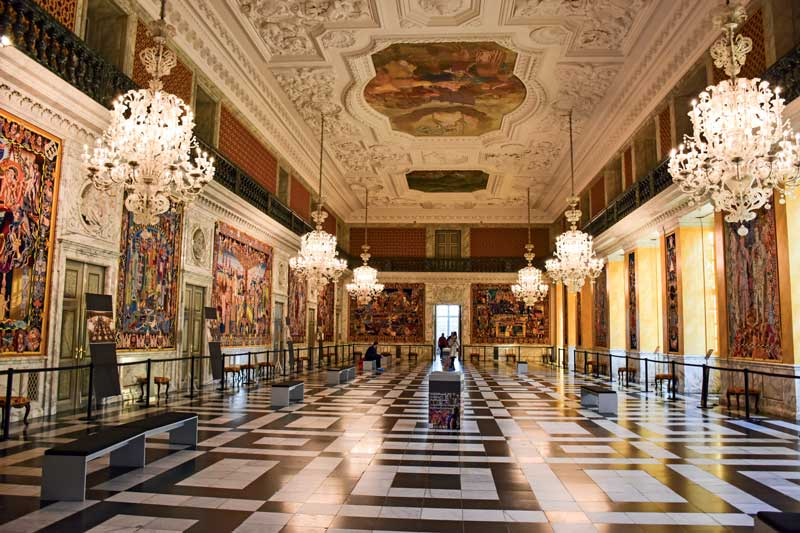 Amura,Dinamarca,Vikingos,Rey Harald,piedras rúnicas de Jelling,daneses,felicidad, The Queen's Tapestries at the Christiansborg Palace.
