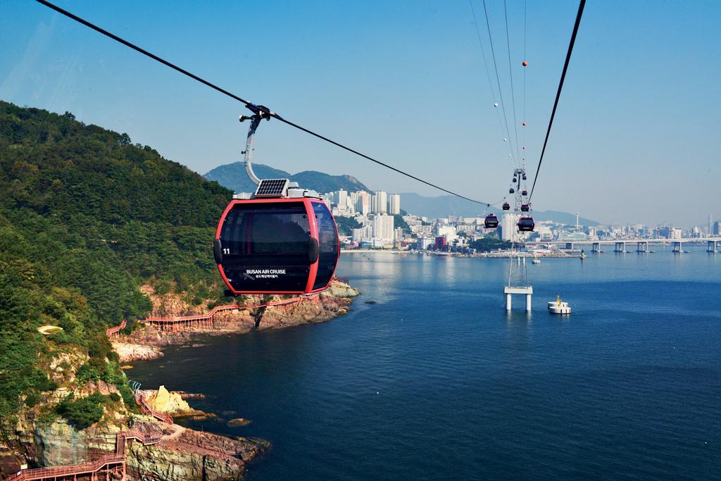 ผลการค้นหารูปภาพสำหรับ Busan Air Cruise