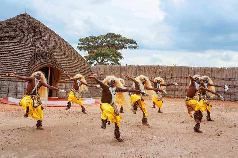 Amura, AmuraWorld,Rwanda,Ruanda,Compás Internacional,International Compass , Through dance, every social event has been offered and celebrated since ancient times.